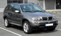 443px-BMW_X5_(E53,_Facelift)_–_Frontansicht,_12._Juni_2011,_Düsseldorf